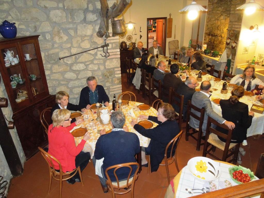 Montalcino - Il Colle - Il Lions Club a tavola nella cucina antica