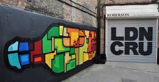 London Cru esterno