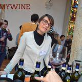 Violante Gardini during a wine tasting