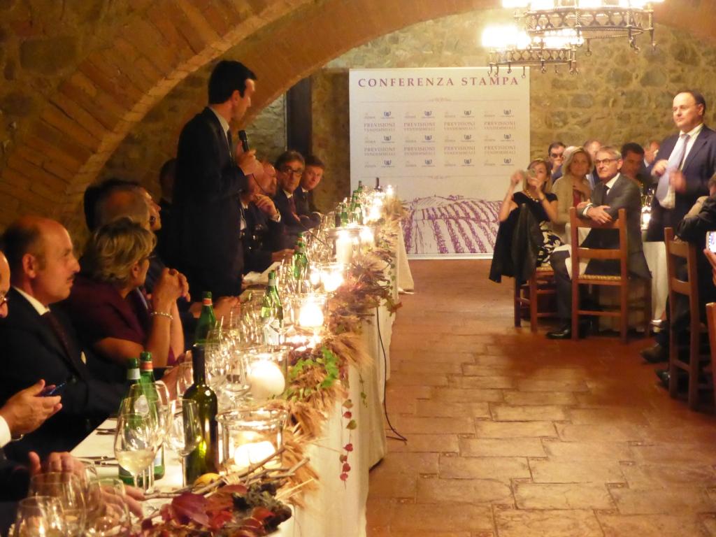 Castello Banfi il Ministro Martina saluta durante la cena UIV