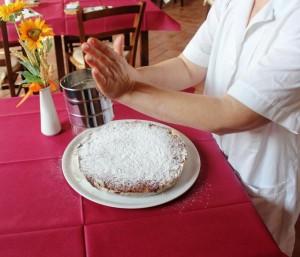 Panforte Margherita preparazione Fattoria del Colle