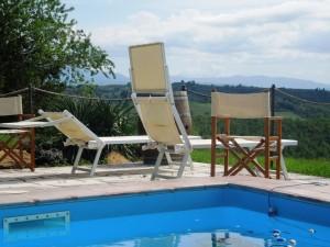 2 giugno Fattoria del Colle-piscina e panorama