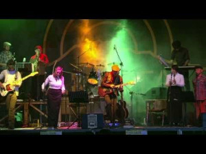 Calici-distelle-Castiglion-d'Orcia-Leggera-Electric-Folk-Band