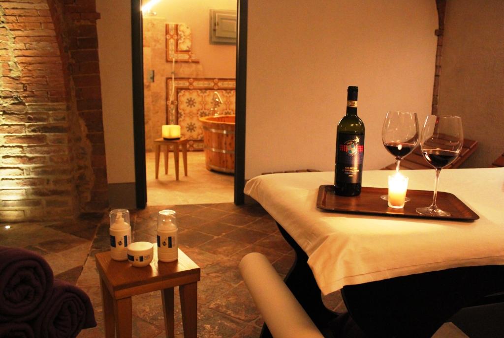 benessere-massaggi-e-grandi-vini-Fattoria-del-Colle-Toscana