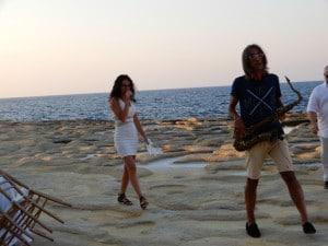 Mikele-Lazzarini-Alea-preparano-l'esibizione-alle-saline-di-Gozo