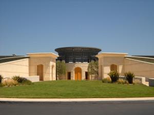 Turisti-del-vino-in-California-ingresso-Opus-One