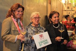 Donatella and the Donne del Vino and the Damas del Pisco