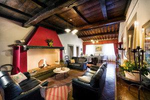 Villa-for-parties-Toscana-Archi-Fattoria-del-Colle-agriturismo