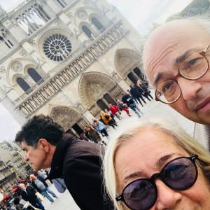 Donatella-e-Carlo-a-Notre-Dame